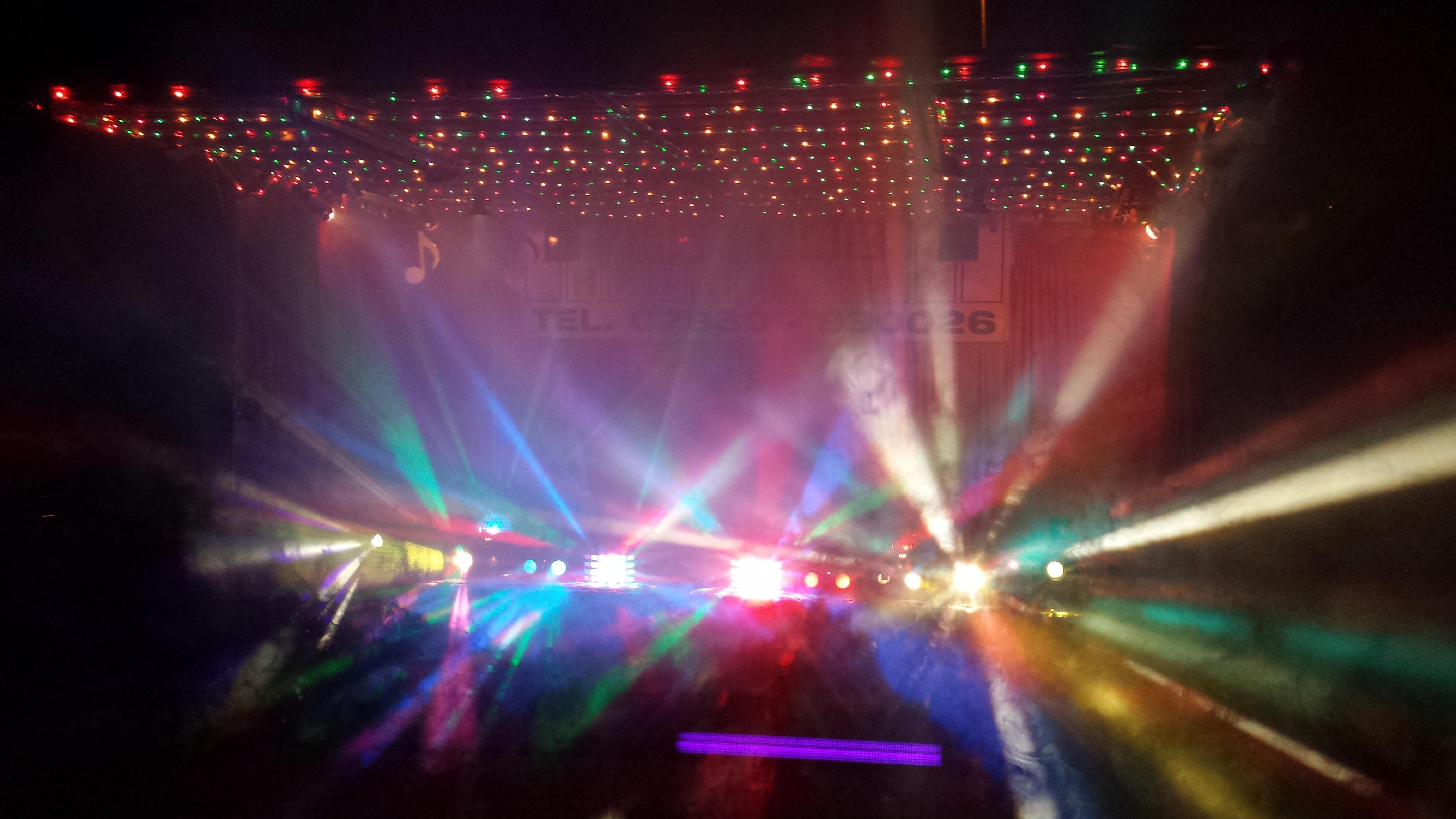 Showbühne mit Lichteffekten