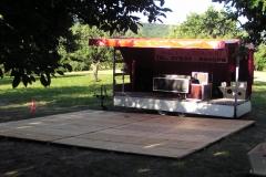 Showbühne mit Tanzfläche - Gartenparty